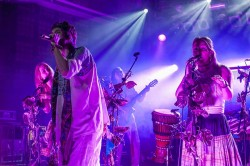 Crystal Fighters, Lazer Viking, MeetFactory, Praha, 4.11.2016