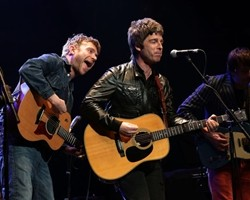 Damon Albarn a Noel Gallagher