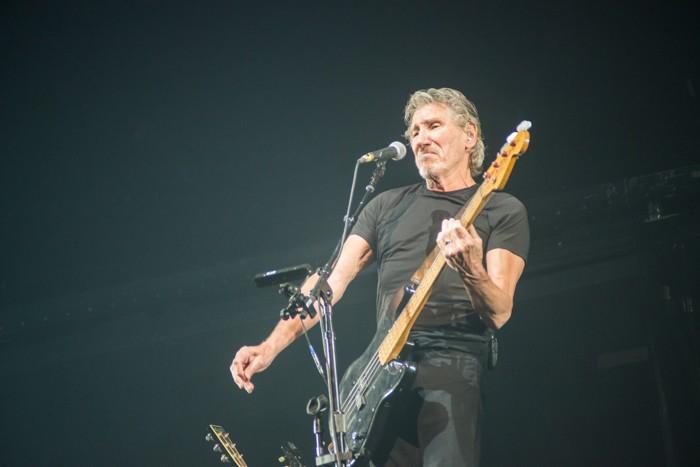 Roger waters o2 arena praha 7 8 2013